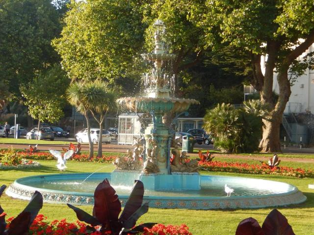 torquay-fountain