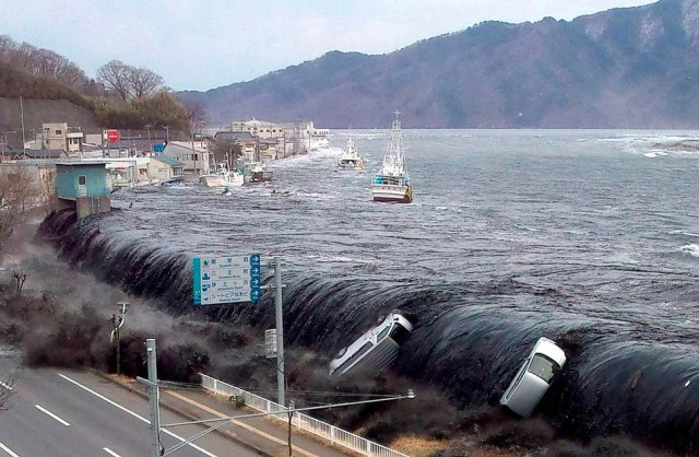 japan_tsunami.13.before