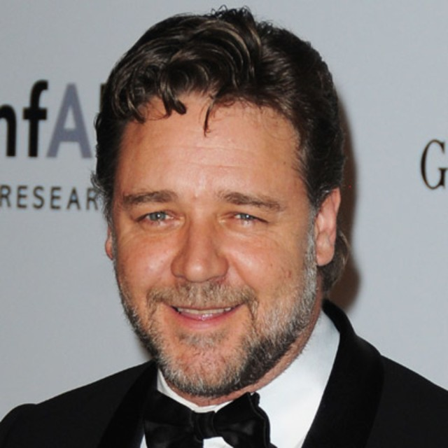 russell-crowe-9262435-1-402