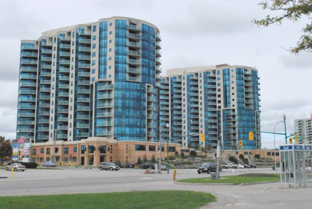 Barrie, Lakeshore Drive