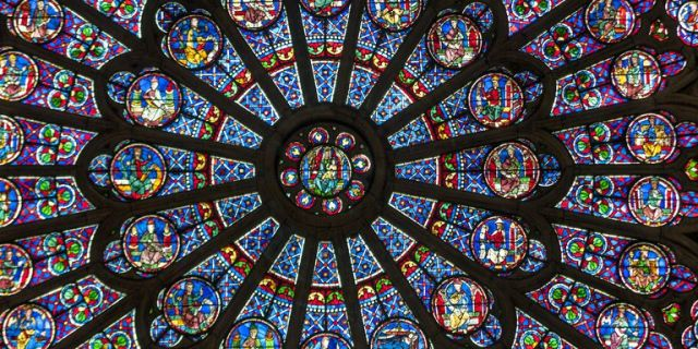 stained-glass-rose-window-in-notre-dame-cathedral-paris-france-1494433394